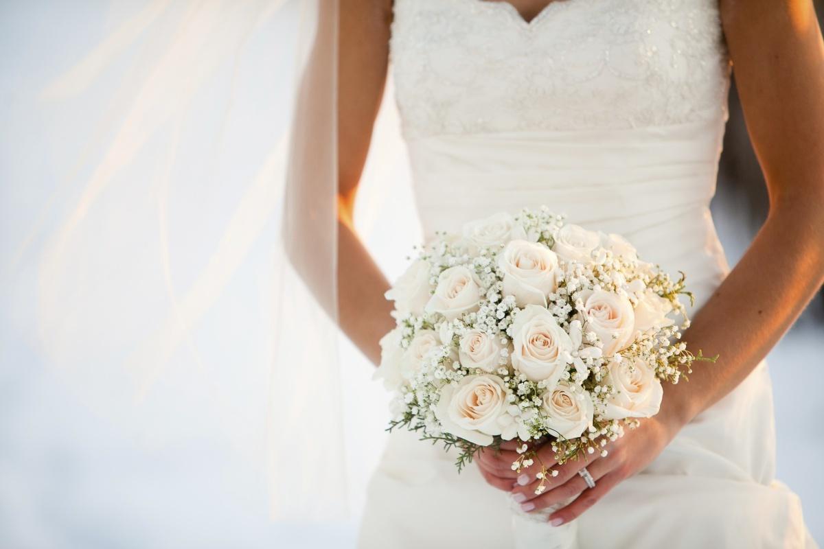 عروس رنگ سفید